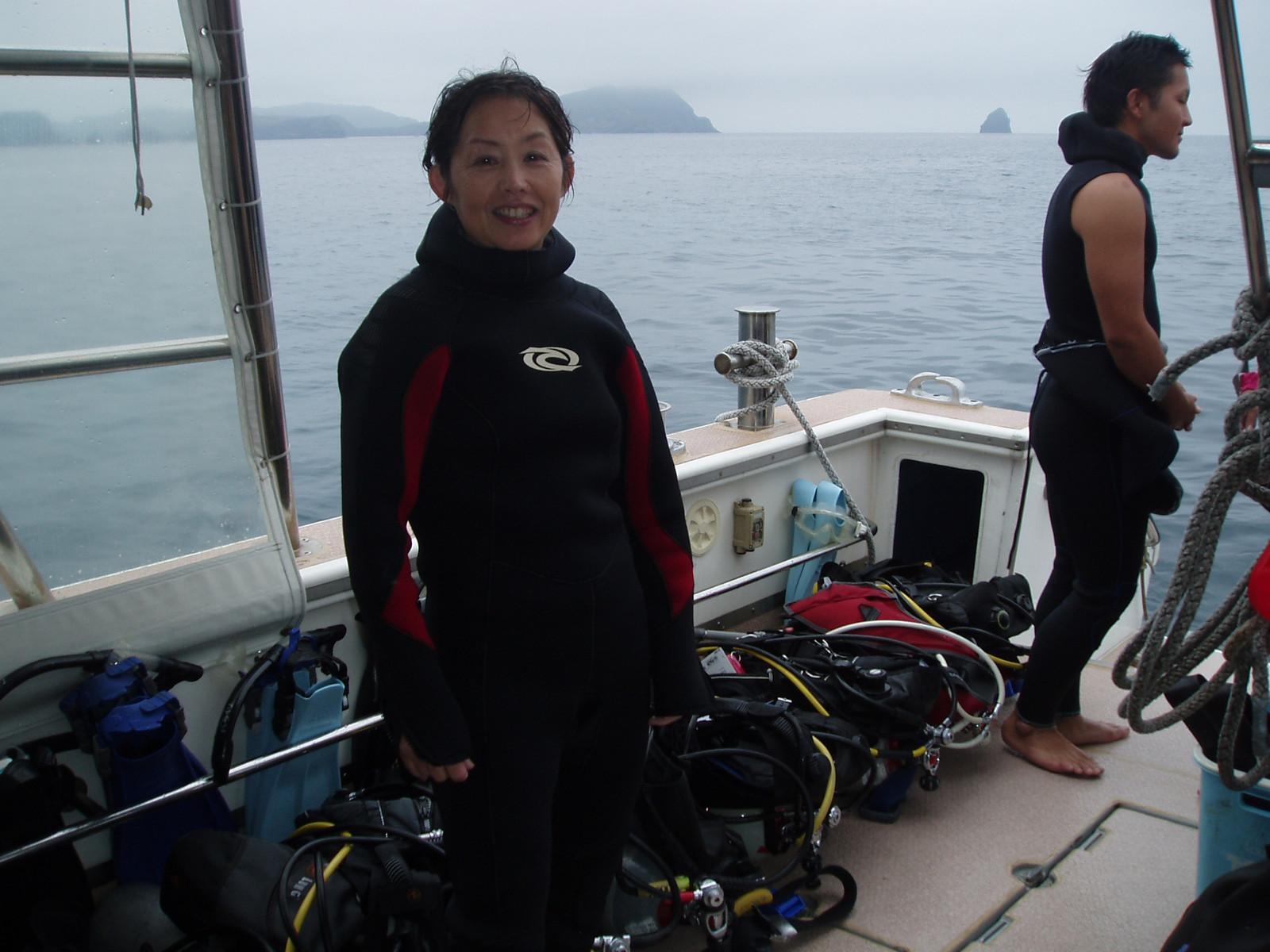 P4150039 インストラクターと共に最初は、奥武島というところで浅瀬から入り水深5~...